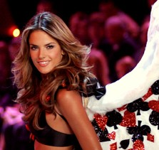 alessandra-ambrosio-brazilian-dumb-fashion-show-model